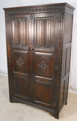 Dark Oak Two Door Hanging Wardrobe